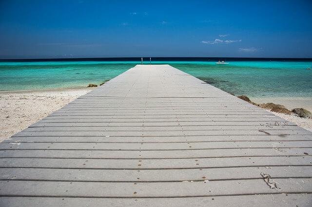 מזח, שמיים כחולים, ים תורכיז