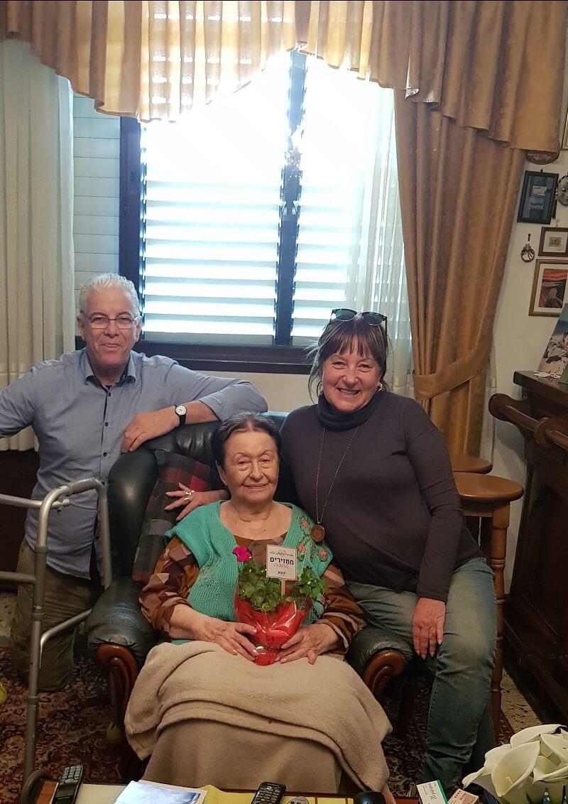 עובדי מטב ברחבי הארץ מבקרים קשישים. צילום: צוות מטב.